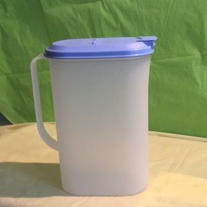 Tupperware Slim Line Juice Pitcher and lid